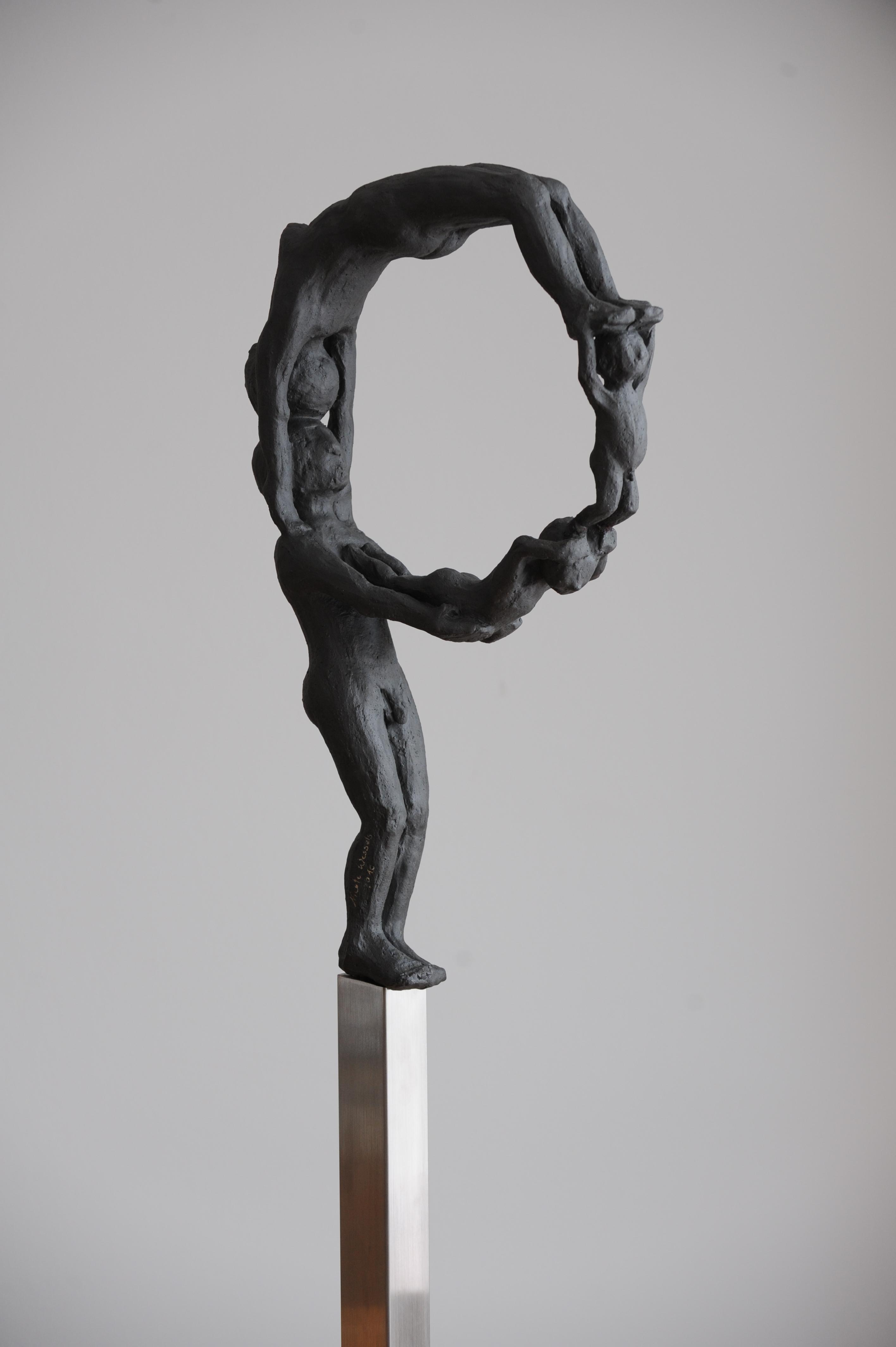 Neun, 2010 (Keramik 40x60x10cm, auf Edelstahlsockel)