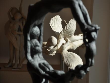 Im Atelier der Keramikerin Nicole Wessels Beflügelt II