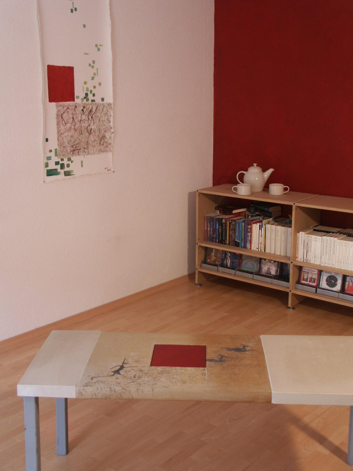 Interiourdesign: Tisch, Bild, Geschirr von Nicole Wessels